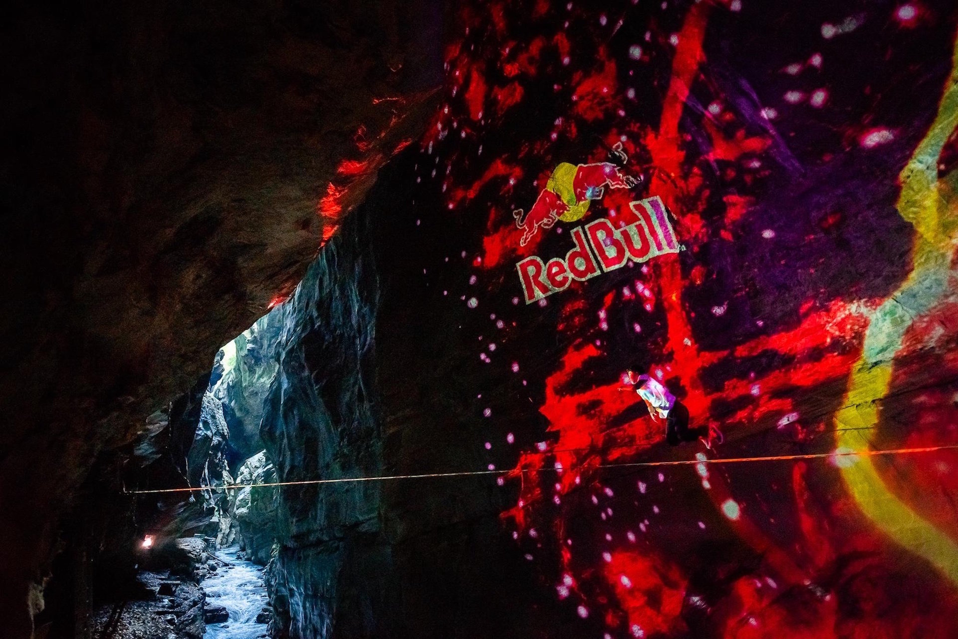 Red Bull Slacklight by Projektil